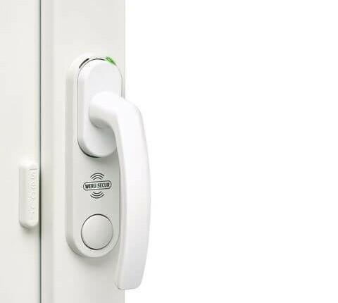 Einbruchschutz für Fenster mit Überwachungssystem Weru secur